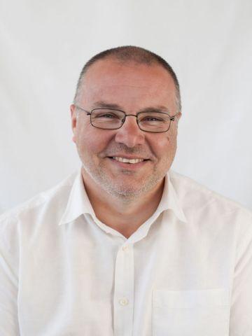 Profile picture for Simon Tuke